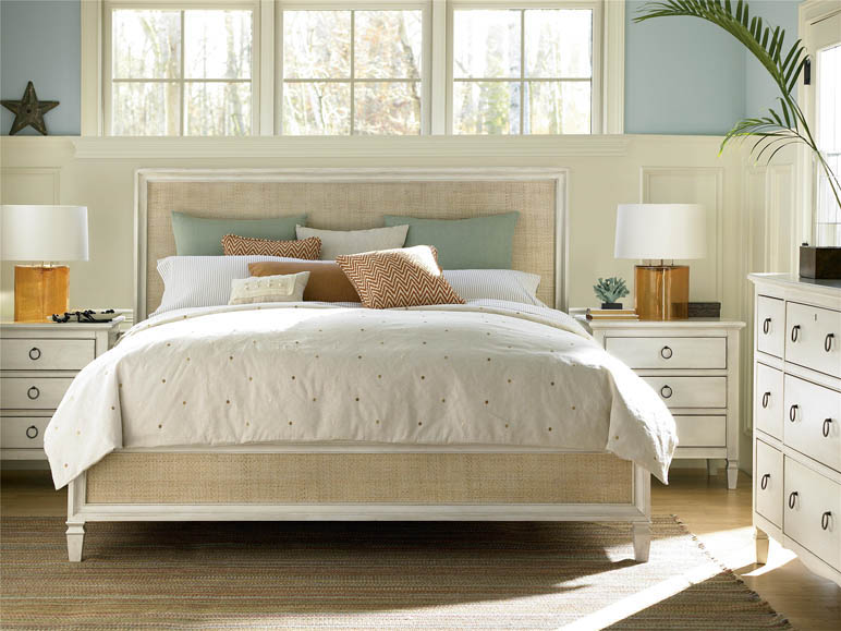 Universal Furniture Summer Hill Woven Accent Queen Bed