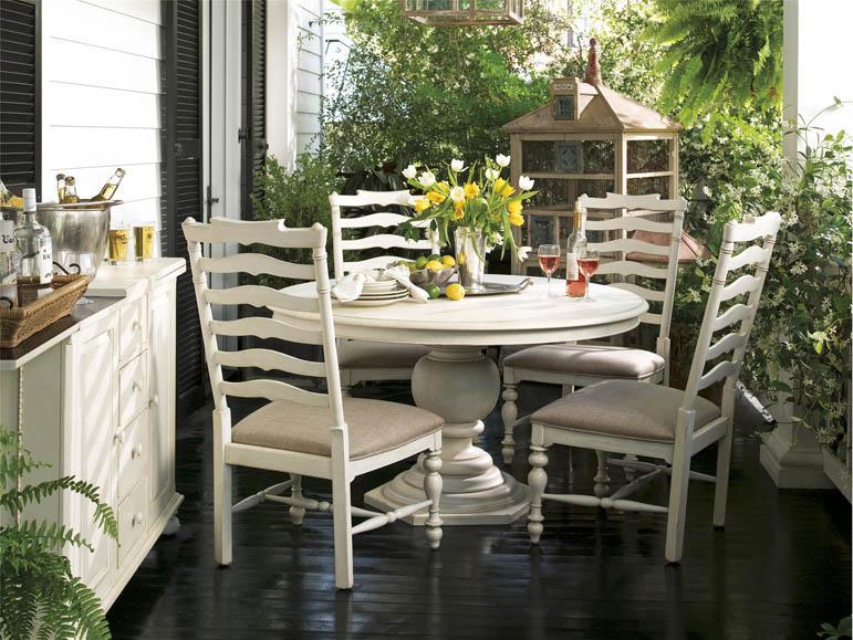 Universal Furniture Paula Deen Home Round Pedestal Table