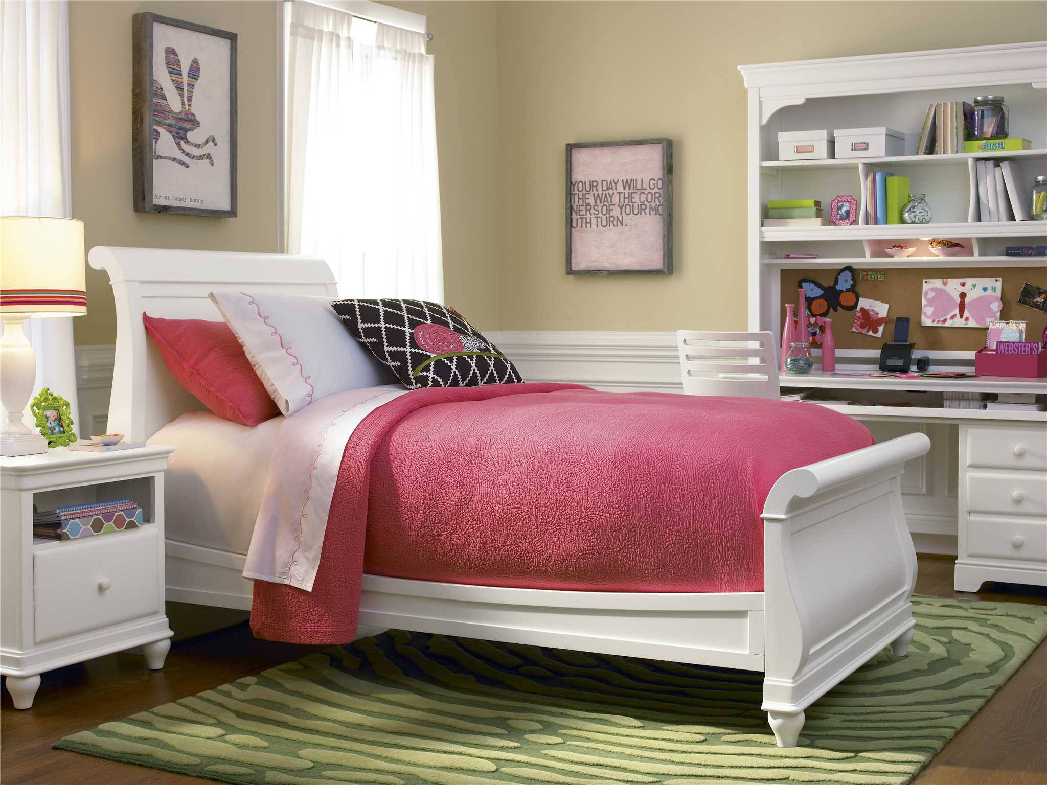 Sleigh Bed (Twin)