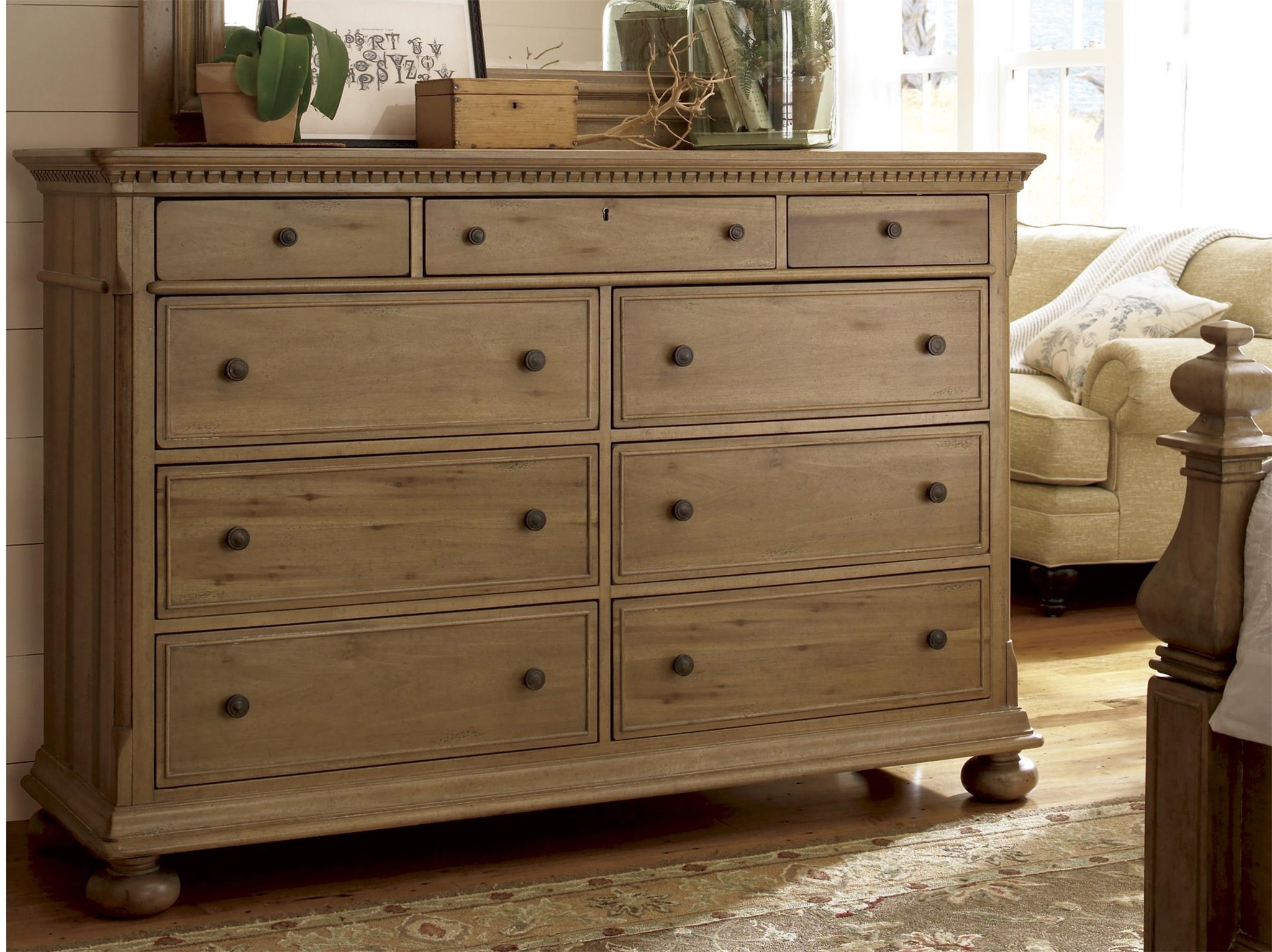 Universal Furniture Down Home Aunt Peggy 39 S Drawer Dresser