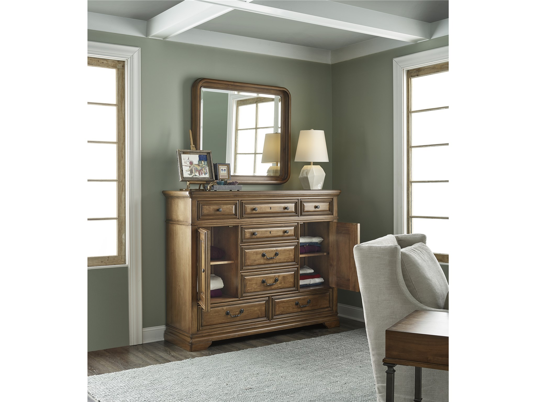 Traditions Kingsbury Kingsbury Dressing Chest Universal