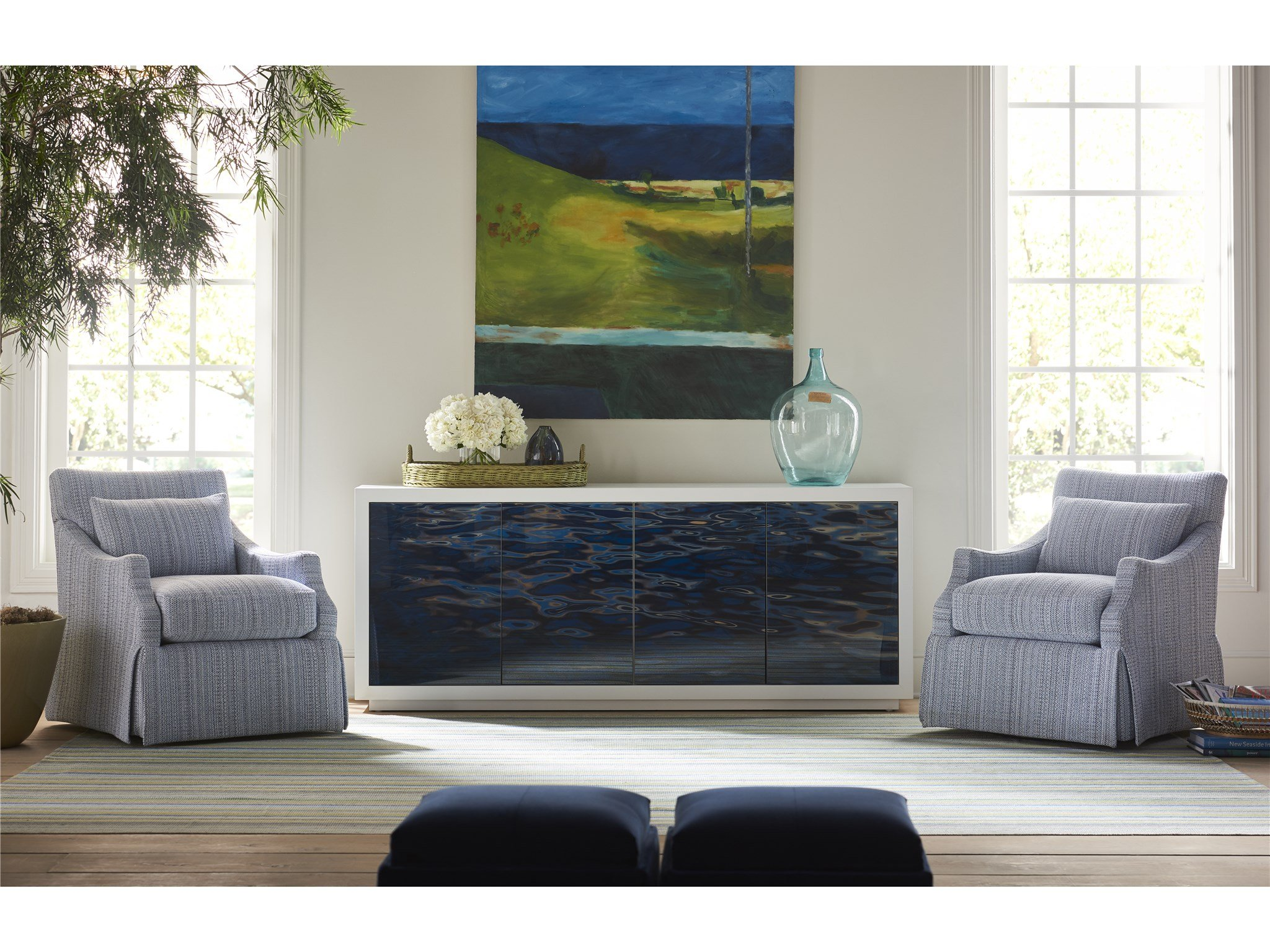 Essence Entertainment Console