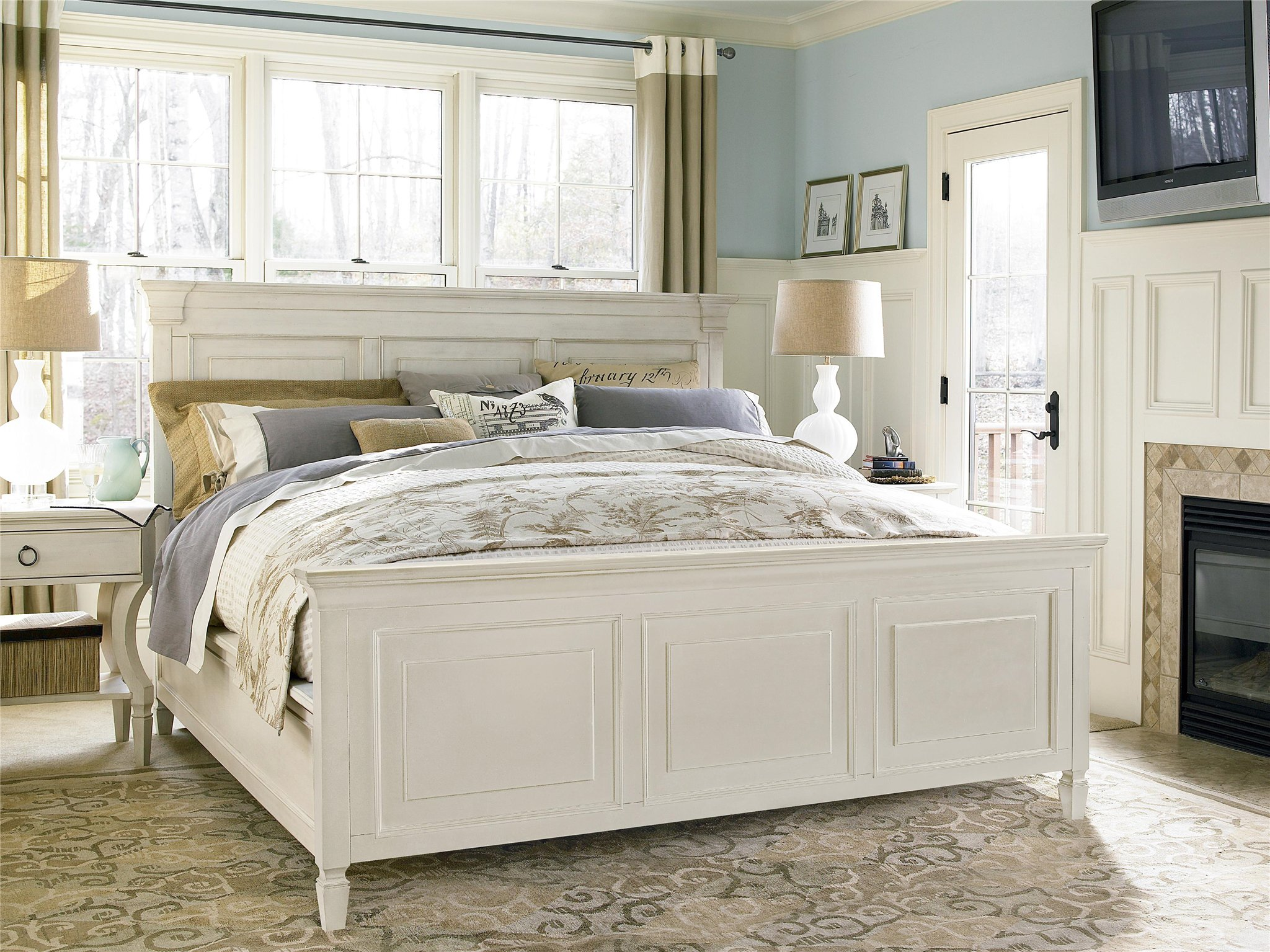 Universal Furniture Summer Hill Panel Bed King
