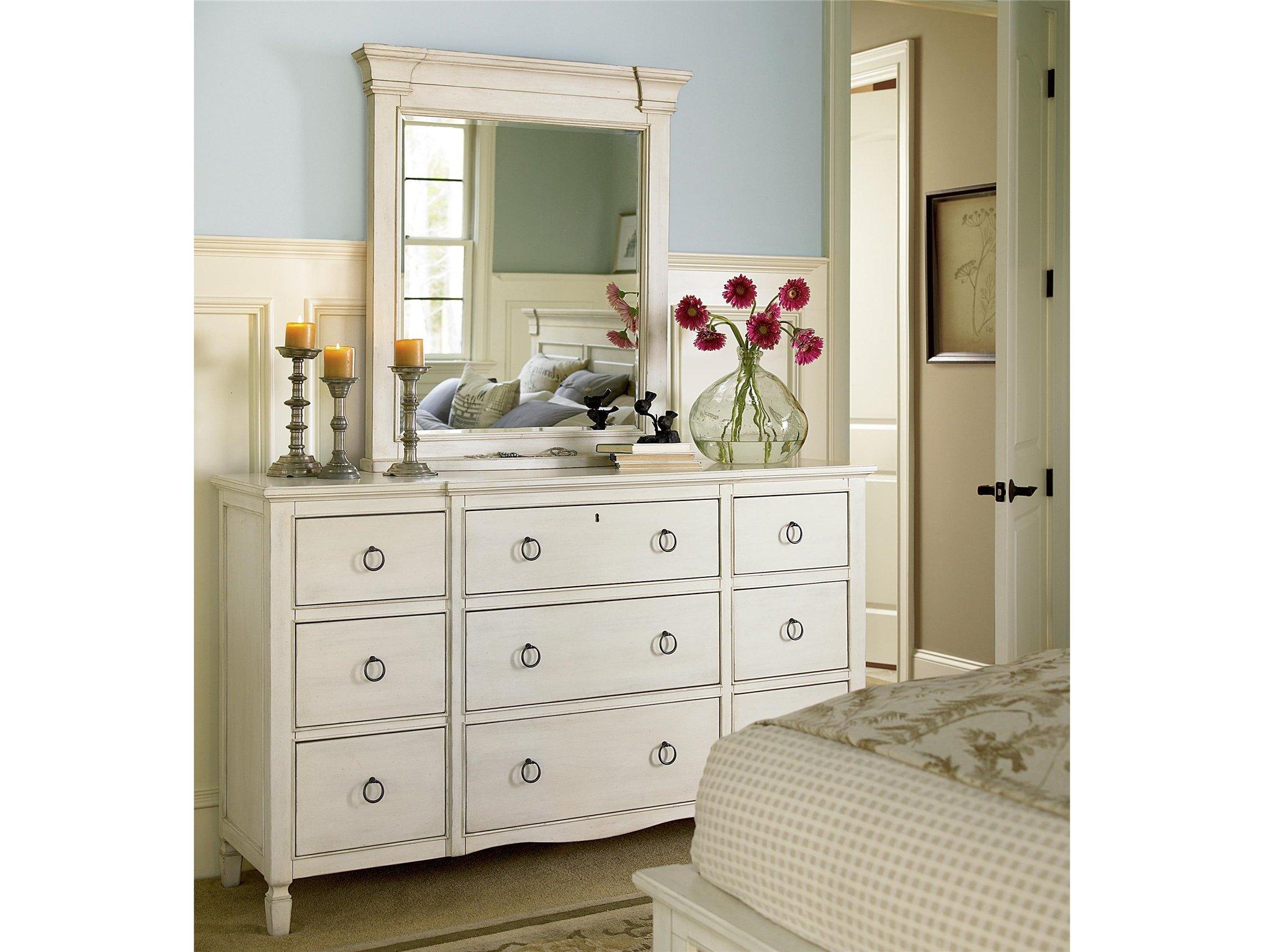 Universal Furniture Summer Hill Nine Drawer Dresser