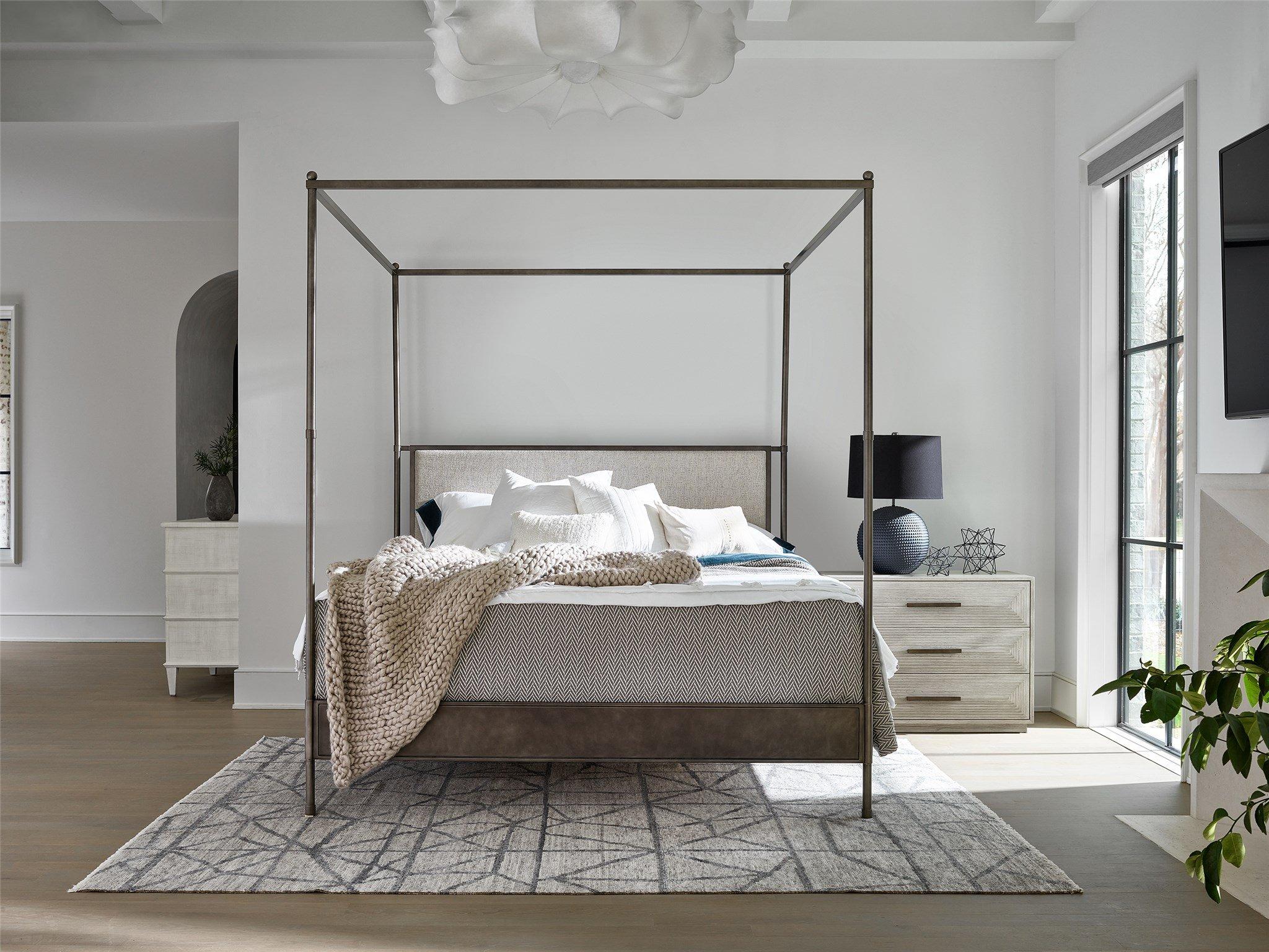 Kent Queen Poster Bed