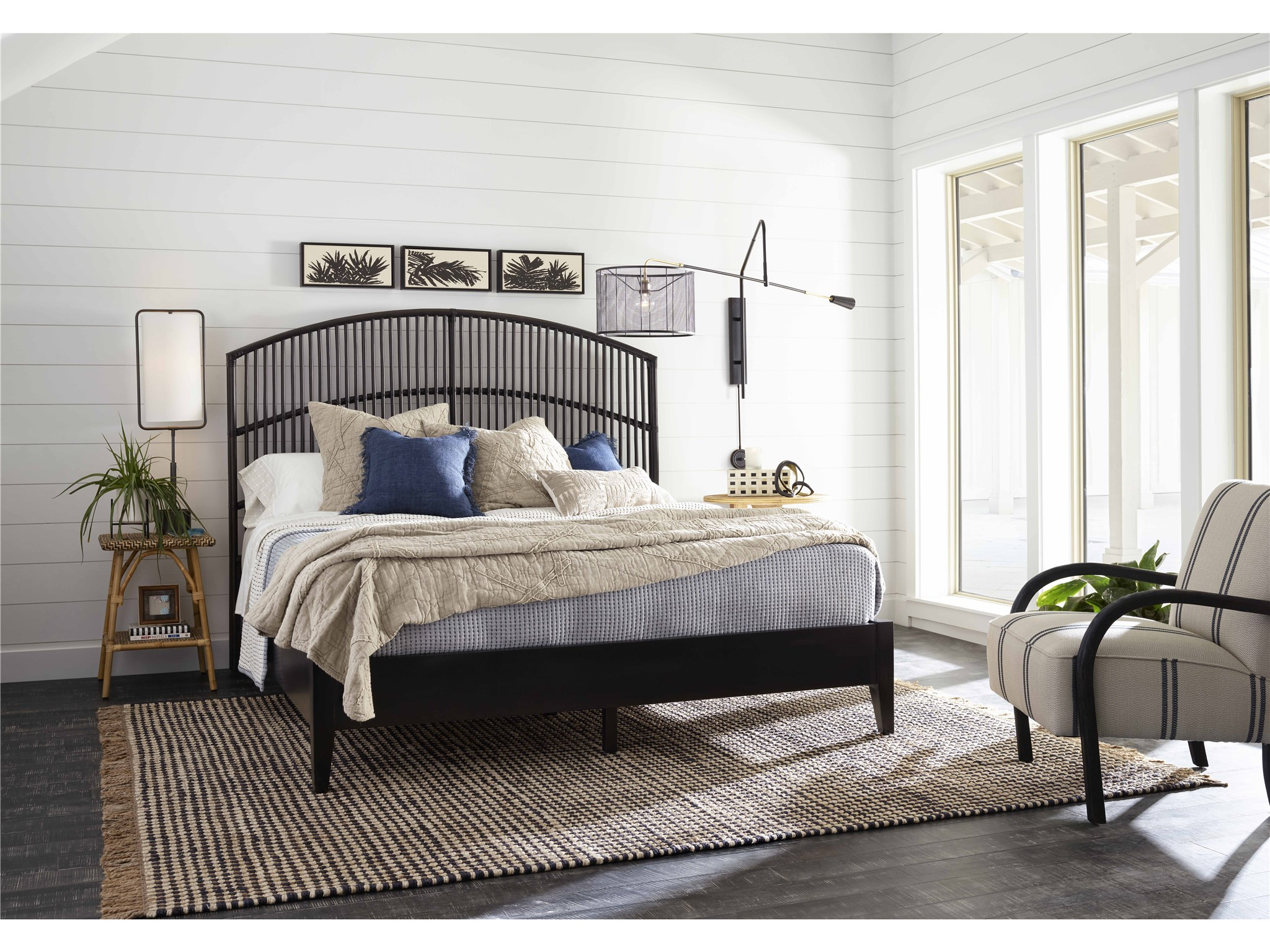 Blackadore Caye Queen Bed