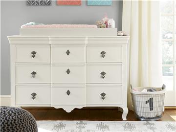 Thumbnail Genevieve's Dresser