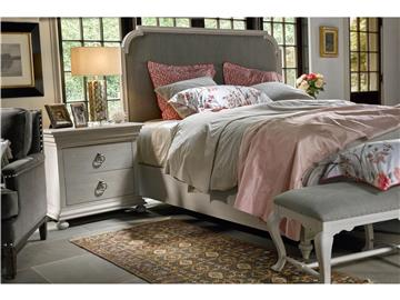 Thumbnail Upholstered Bed (King)