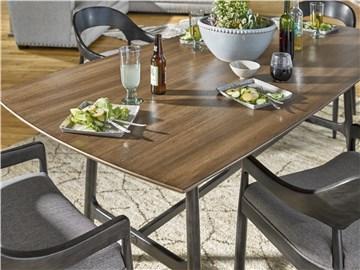 Thumbnail Ingram Table