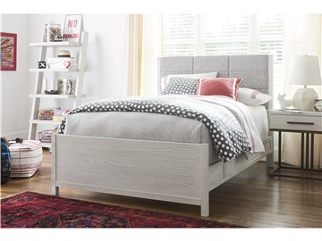 Thumbnail Upholstered Queen Bed