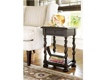 Thumbnail Sweet Tea Side Table